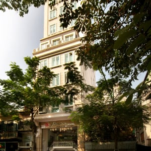 Anise à Hanoi:  Front