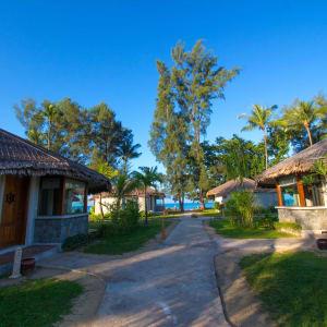 Pristine Mermaid Resort in Ngapali: Garden