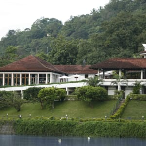 Cinnamon Citadel in Kandy: Hotel by day