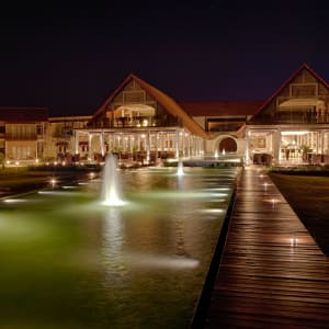 Uga Bay by Uga Escapes in Passekudah: Hotel Exterior Night Shot