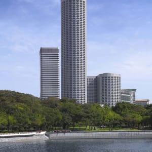 Swissotel The Stamford in Singapur: Hotel Facade ( Day)