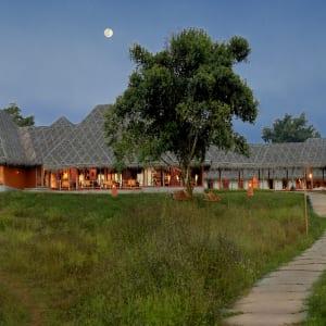 Evolve Back Kuruba Safari Lodge à Parc national de Nagarhole: Main Building Waterfront