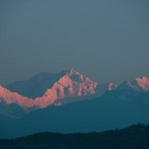 Glenburn Tea Estate in Darjeeling: Mt Kanchenjunga from Glenburn