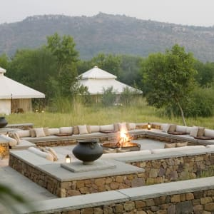Aman-i-Khas in Ranthambore: Outdoor Fireplace