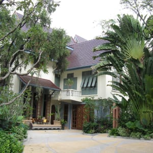 Ariyasom Villa in Bangkok: outside view