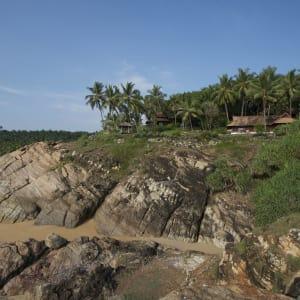 Niraamaya Retreats Surya Samudra à Kovalam: Outside view of the property