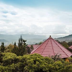 Papouasie – un voyage dans un autre temps de Jayapura: exterior: Overview Resort