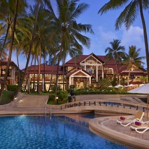 Dusit Thani Laguna in Phuket: Pool and Garden