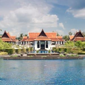 JW Marriott Khao Lak Resort & Spa: Pool and Lobby