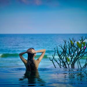 Laksasubha Hua Hin: Pool & Beach