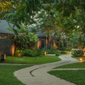 Amorita Resort in Bohol: Private Villa pathway