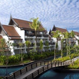 JW Marriott Khao Lak Resort & Spa: Rooms from outside