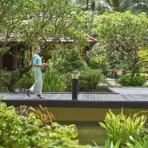 Dusit Thani Laguna in Phuket: Walkway