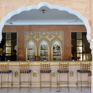 Samode Haveli in Jaipur: Bar at the pool