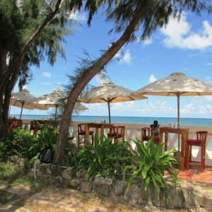 Cassia Cottage in Phu Quoc: Barefoot Beach Bar