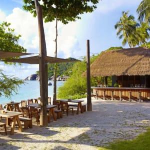 The Beach Club by Haadtien in Ko Tao: Beach Bar