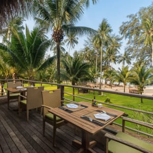 High Season Pool Villa & Spa à Ko Kood: Beach Front Restaurant