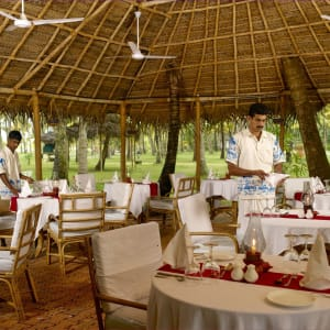 Marari Beach Resort in Mararikulam: Beach Grill Restaurant