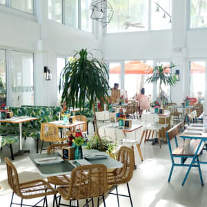 Coast Boracay:  Cha Cha's Beach Cafe