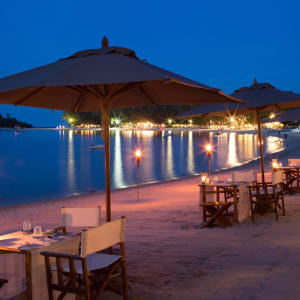 SALA Samui Choengmon Beach Resort in Ko Samui: Dining on the beach