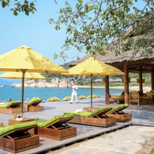 Six Senses Ninh Van Bay in Nha Trang: Drinks by the Beach