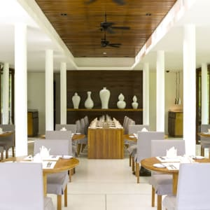 The Sarojin à Khao Lak: ficus restaurant inside