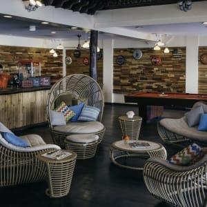 Club Paradise Palawan: Firefish Lounge