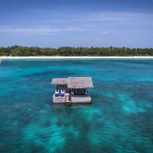Amanpulo in Palawan: Floating Bar