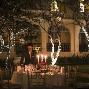 Raffles Hotel Le Royal à Phnom Penh: Garden Dinner