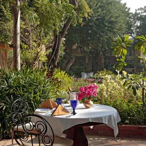 Romantisme des palais et magie du désert de Jodhpur: f&b: Garden Lunch at Rohet Garh