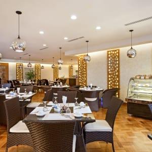 Jasmine Palace in Yangon: J-Cafe