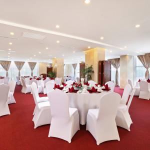 Jasmine Palace in Yangon: Jasmine Garden Restaurant