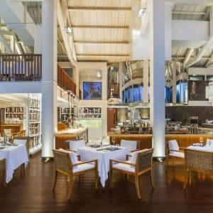 The St. Regis Bali Resort in Südbali: Kayuputi Restaurant