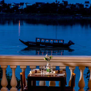 Anantara Hoi An Resort: Lanterns Restaurant   Riverside Dining