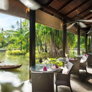 Anantara Mai Khao Phuket Villas: LaSala Breakfast by boat