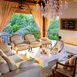 Zazen Boutique Resort & Spa in Ko Samui: Le Salon de Ti - Fireplace - Tea Service