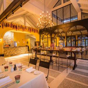 Dusit Thani Krabi Beach Resort: Limoncello Bar