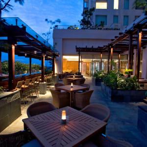Hyatt Centric MG Road Bangalore à Bengaluru: Liquid Lounge & Bar