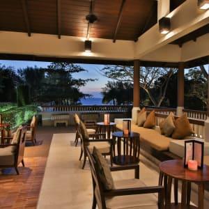 Dusit Thani Krabi Beach Resort: Martinis Bar