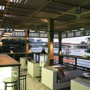 Riva Surya in Bangkok: Mezzanine Bar