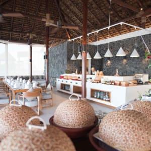 The Royal Sands Koh Rong in Sihanoukville & Inseln:  Ocean Restaurant Breakfast