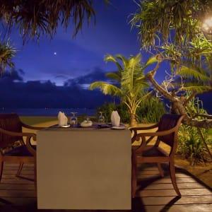 Avani Bentota Resort: Outdoor dining at Frangipani Restaurant