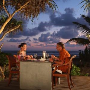 Avani Bentota Resort: Outdoor Dinning