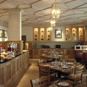 The Claridges à Delhi: Pickwicks - Multicuisine Restaurant