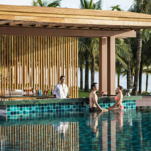 Dusit Princess Moonrise Beach Resort à Phu Quoc: Pool Bar