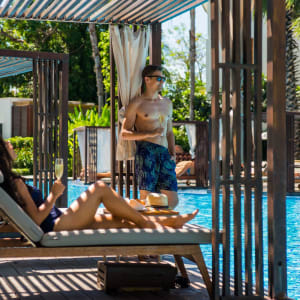 Intercontinental Hua Hin Resort: Pool Bar