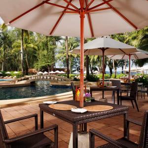 Dusit Thani Laguna in Phuket: Pool Cafe
