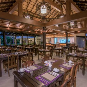 The Leaf Oceanside by Katathani in Khao Lak: Restaurant