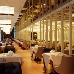 Central Hotel in Shanghai: Restaurant