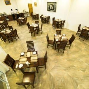 Yadanarpon Dynasty in Mandalay: Restaurant